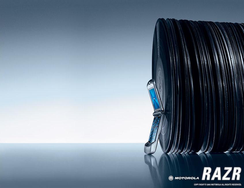 Motorola_razr_v3_razor_promo__2_