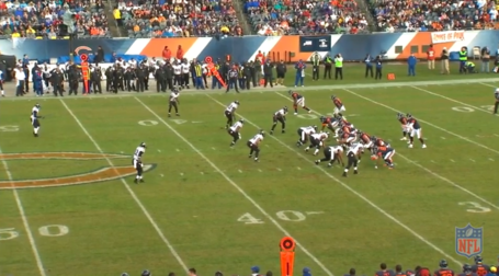Bears_pass_pre-snap_medium