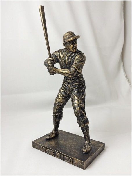 Minnie_minoso_replica_statue_medium