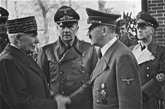 Hitler_vichy