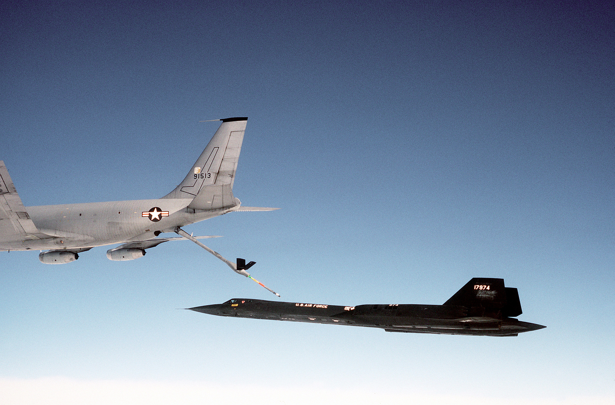 Boeing_kc-135q_refueling_sr-71_medium