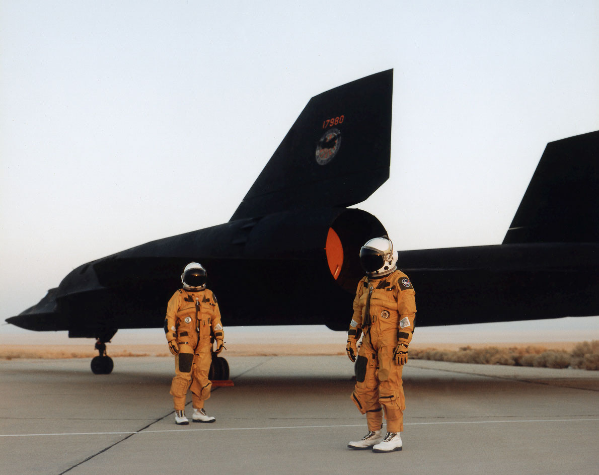 flying the world s fastest plane behind the stick of the sr 71