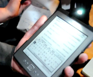 Amazon Kindle (2011) video hands-on