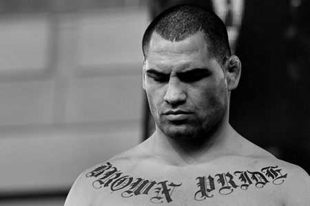 http://cdn0.sbnation.com/entry_photo_images/2241044/lesnar_velasquez010_large.jpg