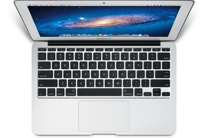Apple MacBook Air 11-inch stock 1024