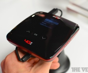 Gallery Photo: ZTE EuFi890 mobile hotspot hands-on pictures