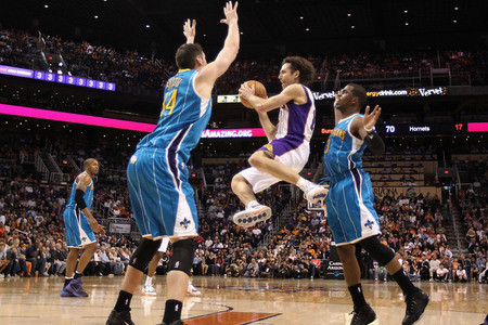 A harken back to better, high-flying days for both the Suns and the Hornets.  (Photo by Christian Petersen/Getty Images)