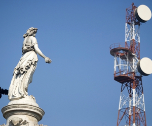 India Wireless Tower (SHUTTERSTOCK)