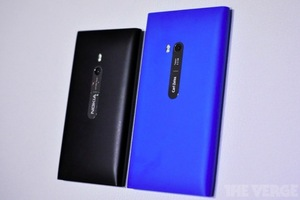 Gallery Photo: Nokia Lumia 900 preview gallery