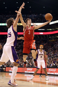 Goran Dragic torched his former teammates with 11 points and 11 assists tonight.