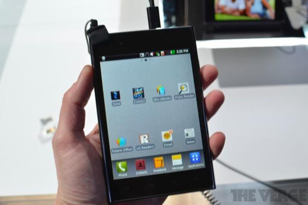 Gallery Photo: LG Optimus Vu hands-on