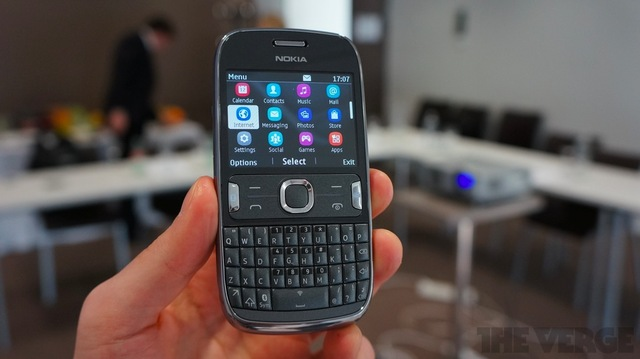 Gallery Photo: Nokia Asha 202/203 and 302 hands-on photos