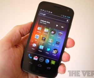Galaxy Nexus review photo