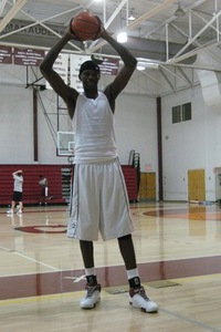 Seven foot junior college center DeWayne Dedmon is expected to sign with USC sometime in the coming days.