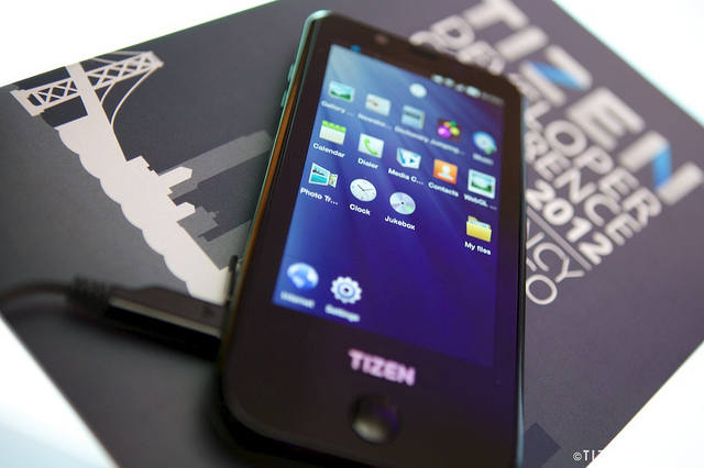 Purported Samsung-made Tizen reference hardware (TIZEN TALK)