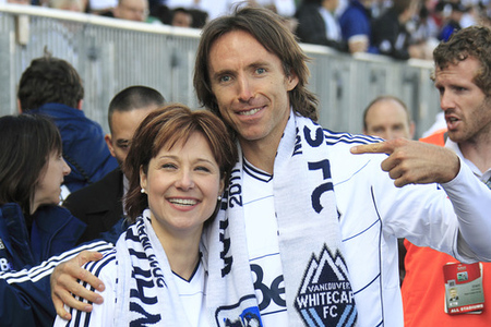 Steve Nash, master of Canadian politics, stands with B.C. Premier Christy Clark. (Photo by Jeff Vinnick/Getty Images)