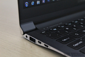 Gallery Photo: Samsung Series 9 hands-on pictures 