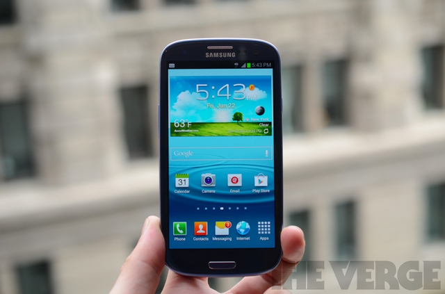 Gallery Photo: Samsung Galaxy S III for T-Mobile hands-on pictures