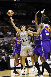 Jun 1, 2012; San Antonio, TX, USA; San Antonio Silver Stars guard Becky Hammon (25) drives the lane against the Phoenix Mercury during the first half at the AT&T Center. Photo by Soobum Im-US PRESSWIRE