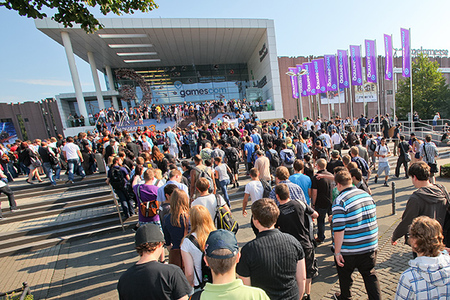 gamescom-outside.0.jpg