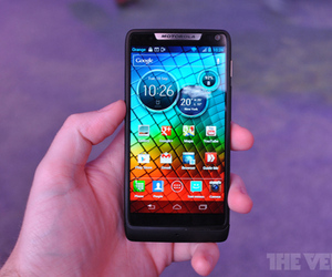 Gallery Photo: Motorola Razr i hands-on photos