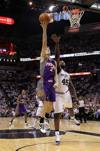 SAN ANTONIO - MAY 07:  Goran Dragic #2 of the Phoenix Suns takes a shot against the San Antonio Spurs in Game Three of the Western Conference Semifinals during the 2010 NBA Playoffs at AT&amp;T Center on May 7, 2010 in San Antonio, Texas.  (Photo by Ronald Martinez/Getty Images)