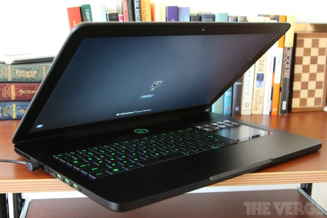 Gallery Photo: Razer Blade (late 2012) review pictures