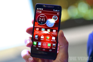 Razr HD hands-on