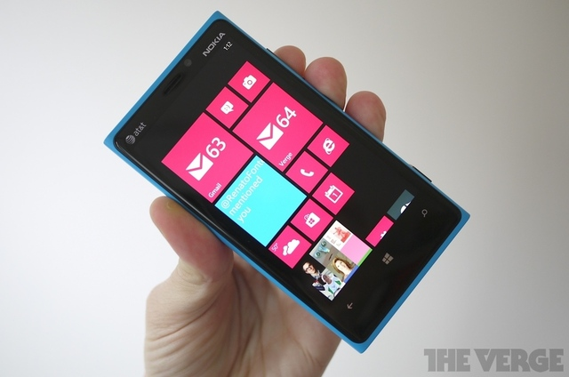 Gallery Photo: Nokia Lumia 920 hardware photos