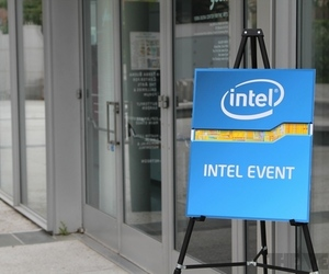 Intel liveblog event stock 1024