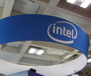 Intel logo banner stock 1024