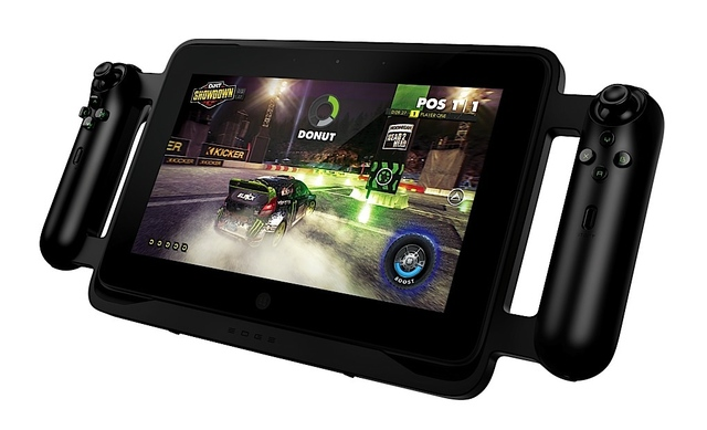 Gallery Photo: Razer Edge convertible gaming tablet photos