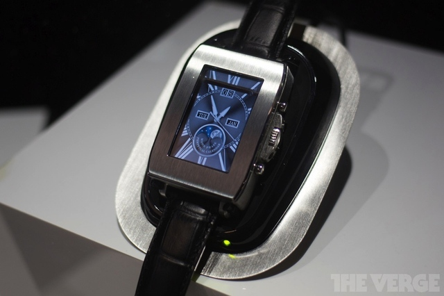 Toshiba smartwatch