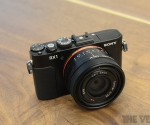 Sony Cyber-shot RX1 hero (1024px)