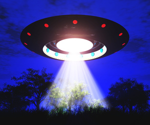 SHUTTERSTOCK UFO