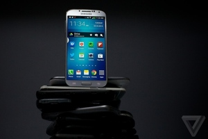 Samsung Galaxy S4 hero more better (1024px)