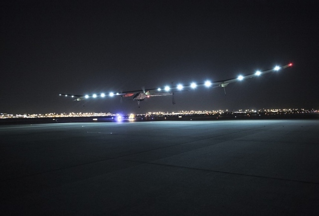 Solar Impulse lands in Texas (Credit:  © Solar Impulse |Revillard| Rezo.ch)