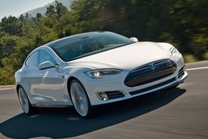 Tesla Model S stock press 640
