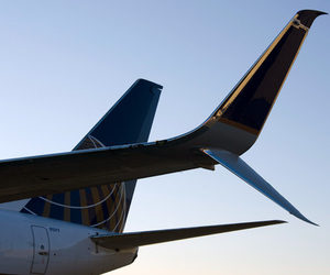 United Airlines scimitar winglet