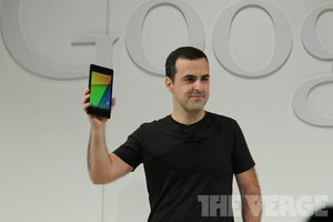 Hugo Barra with Nexus 7 2013