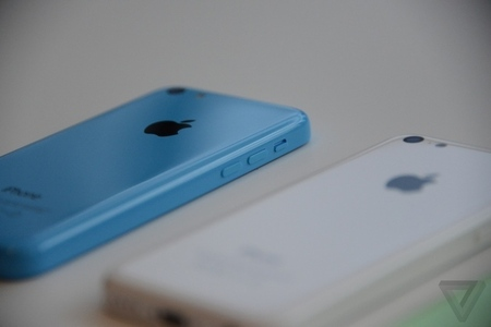 Gallery Photo: Apple iPhone 5C hands-on pictures