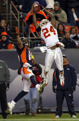 Kansas_city_chiefs_v_denver_broncos_sbbqc44jucal