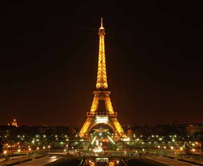 Eiffel-tower-landmark-4