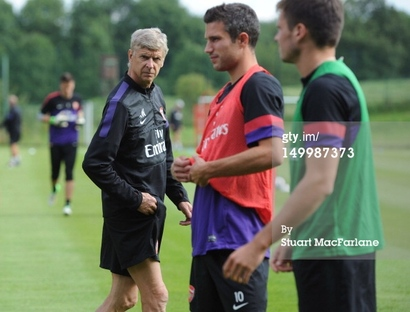 149987373-arsenal-manager-arsene-wenger-looks-on-gettyimages