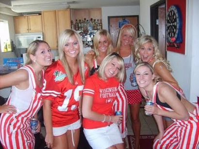 Wisconsin-hot-tailgate-girls