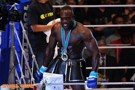 Melvin_manhoef_2_medium
