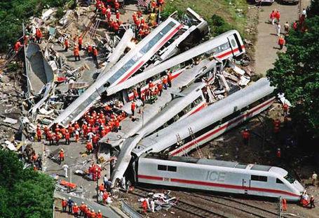 San-diego-train-accident_medium