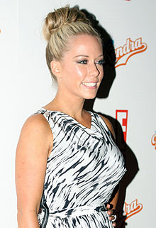 220px-kendra_wilkinson_2011_medium