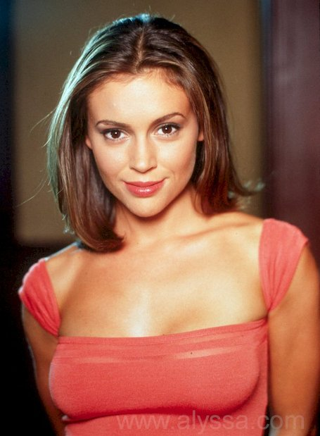 Alyssa_milano_755199_medium_medium