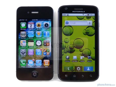 Motorola-atrix-4g-vs-apple-iphone-4-design-01_medium